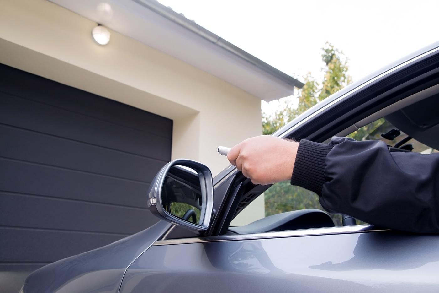 Porte de garage avec télécommande